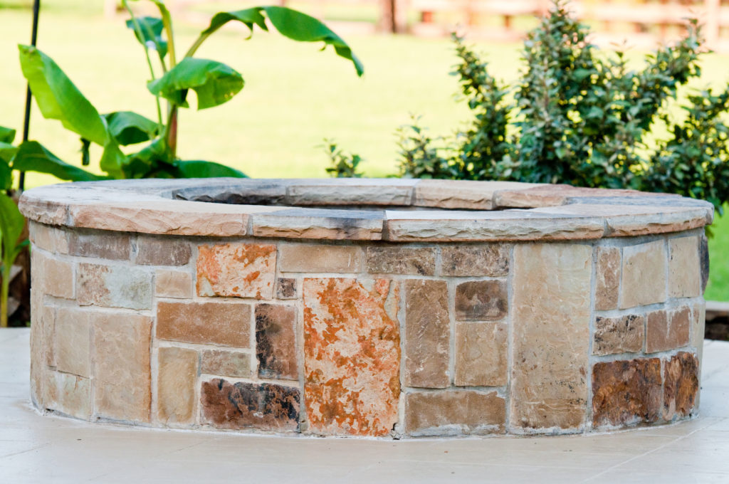 Outdoor flagstone firepit in Bergen County