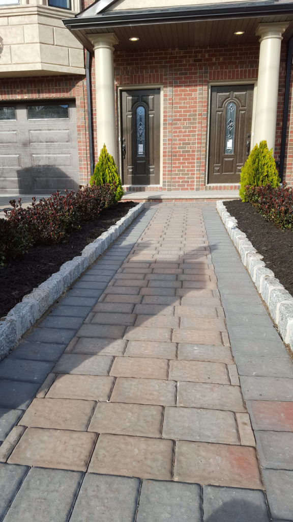 paver walkway in Bergen County build by Onorato Landscaping